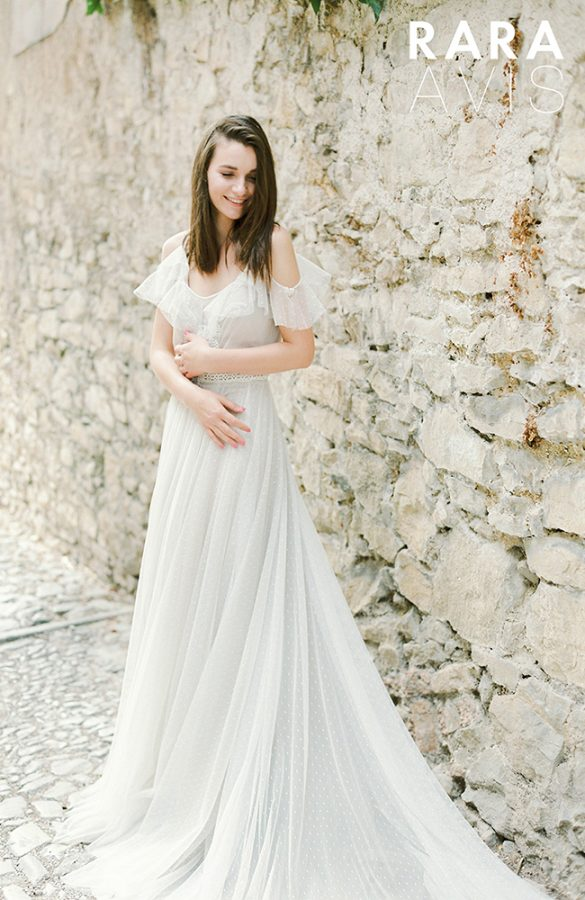 romi rara avis wedding dress 3 bmodish