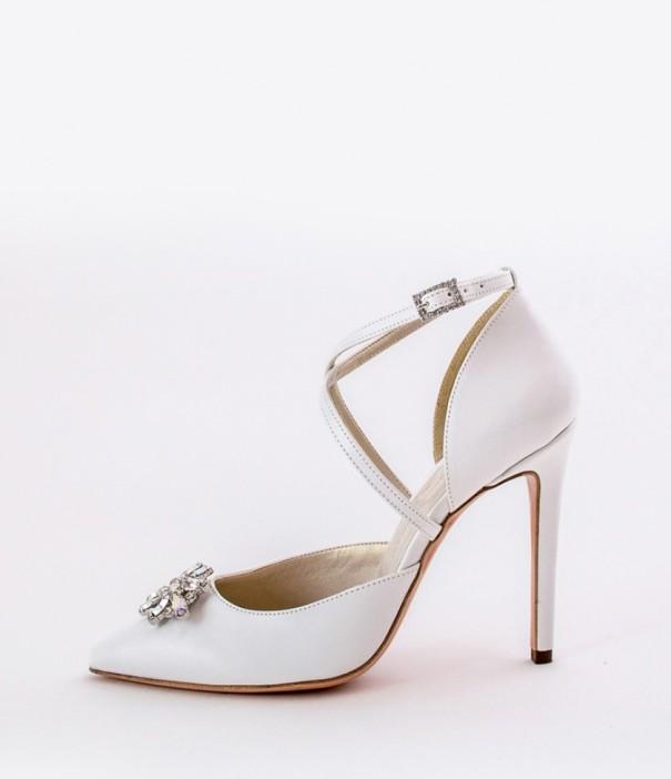 White Wedding Shoes Alessandra Rinaudo with broonch 15 bmodish