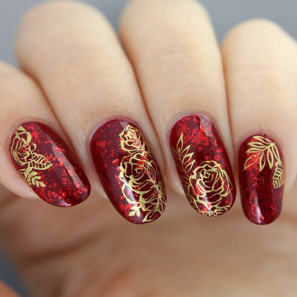 golden roses in red nail designs