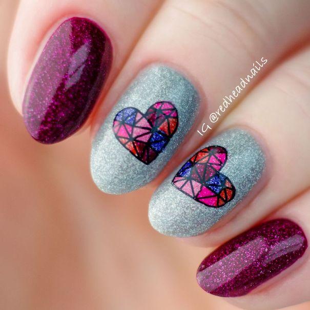 mozaic heart nail art