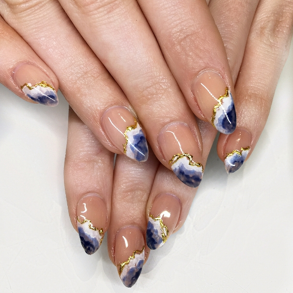 geode and waves nail design