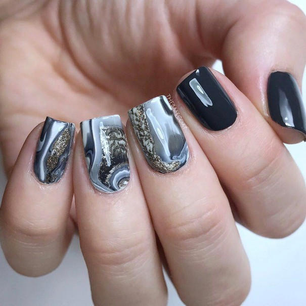 geode marble nail design