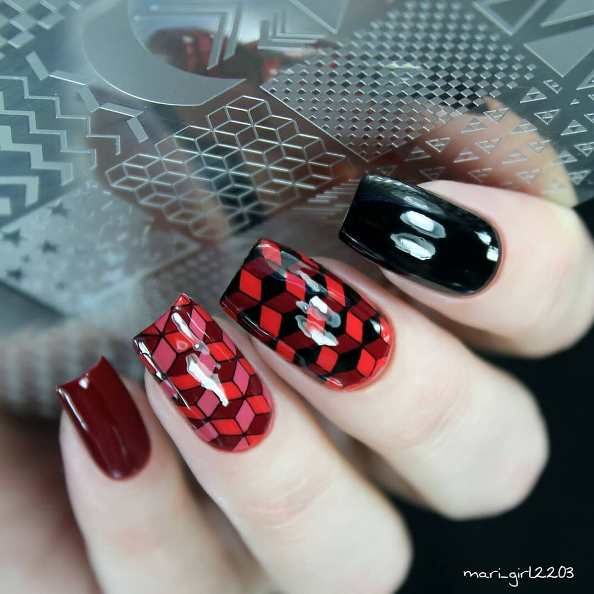 red black mozaic nail design